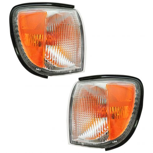 12/98-04 Nissan Pathfinder Corner Parking Light PAIR