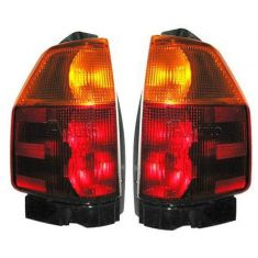 02-08 Envoy Tail Light Pair