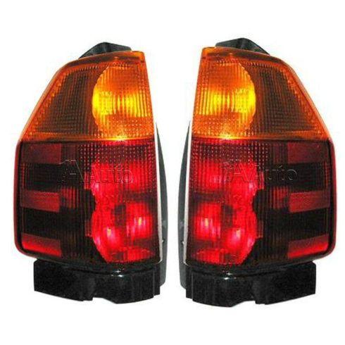 02-08 Envoy Tail Light Pair
